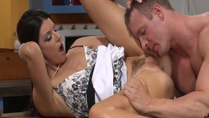 Real sex together with Arabian swinger India Summer