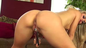 Czech masturbation with dildo
