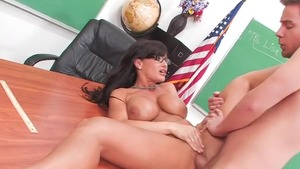 Fabulous pornstar Lisa Ann goes in for hard ramming