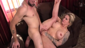 Mature Ryan Conner bends to get fucked