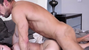 Beautiful brunette agrees to ramming hard in HD