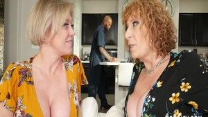 Threesome with hawt Sara Jay escorted by Dee Williams