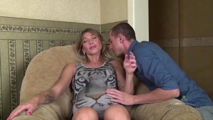 Pregnant Rita Rush sucking cock