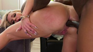 Inked stepmom Nina Elle gets a buzz out of sex scene
