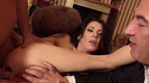 Jessica Moore in tandem with Luca Ferrero double penetration