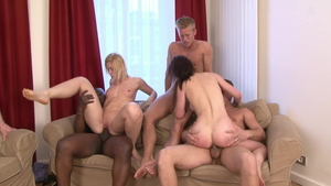 Rebeca Linares next to Cinta Mitchell threesome
