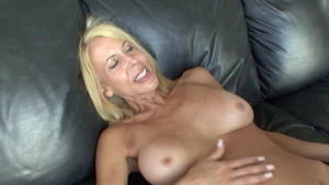 Mature Erica Lauren desires sex HD