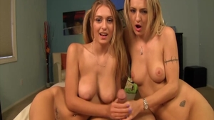 Teen chick Natalia Starr crazy pussy eating