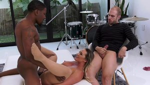 Housewife Cali Carter threesome