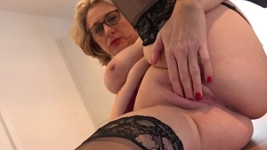 Trimmed pussy MILF ass fingering in office