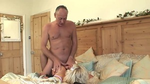 Plump mature in sexy stockings good fuck in the morning