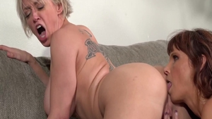 Dee Williams with large boobs Syren De Mer