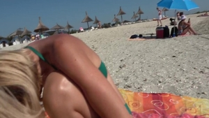 Wet pussy hotwife voyeur at the beach