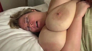 Wife has a taste for sucking dick in HD