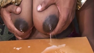Big butt Egyptian amateur pussy eating in HD