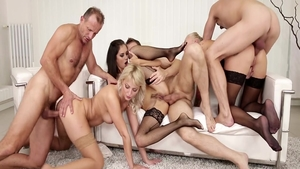 Steve Qute group sex at the party