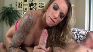 Blowjob together with shaved MILF Juelz Ventura