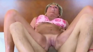 Super sexy MILF desires sloppy fucking HD