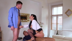 Hottest stepmom Valentina Ricci loves deepthroat HD