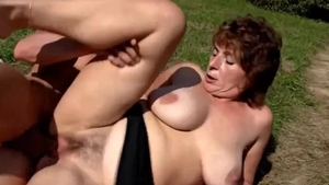 Young MILF masturbation blowjobs in the woods HD