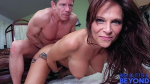 Ramming hard together with inked MILF Syren De Mer
