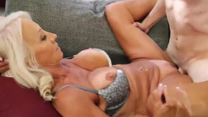 Blonde babe cowgirl fuck in HD
