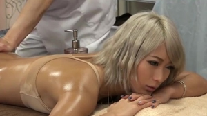 Raw sex escorted by big ass korean babe