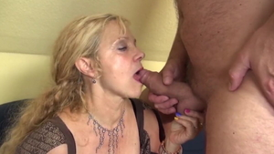 Whore really enjoys blowjobs in HD