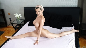 Shaved Subil Arch handjob in the bed