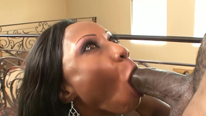 Cougar Diamond Jackson blowjobs