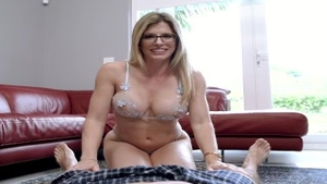 Sloppy fucking escorted by stepmom