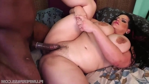 Big ass young MILF Angelina Castro blowjobs