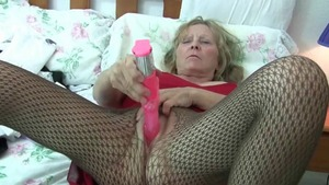 British housewife rides a hard dick in HD