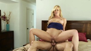 Sexy blonde has a taste for raw sex
