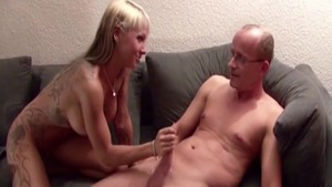 Huge boobs MILF hardcore blowjobs