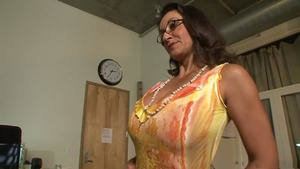 Hairy huge boobs persian MILF Bonnie Skye strapon