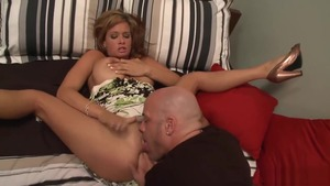 Big boobs pornstar Tory Lane agrees to hard slamming